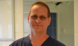 dr. Lévai Péter